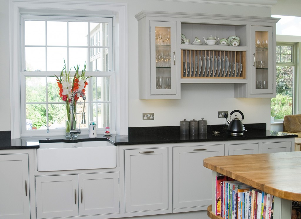 Beaded shaker kitchen for Shaker style kitchen uk